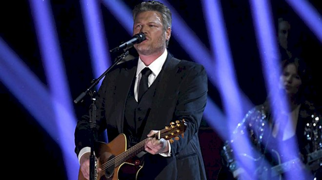 """with-""""one-foot-in-traditional-country,""""-blake-shelton's-hoping-to-break-new-ground-with-'body-language'"""